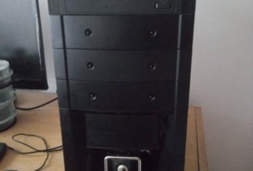 Kompletan kompjuter 4Gb ram 3x jezgra procesor