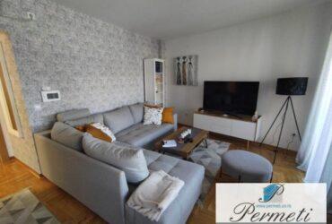 Luksuzan stan na Nišavskom keju