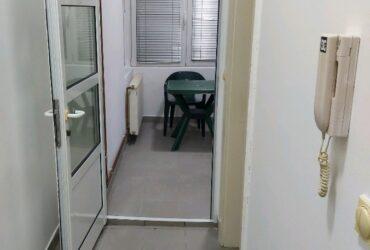 Izdajem dvosoban stan u centru Nisa kao poslovni prostor