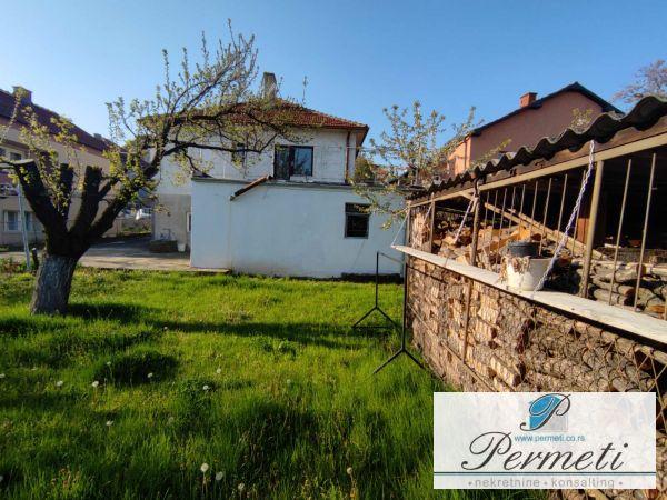 Porodična kuća u naselju Apelovac