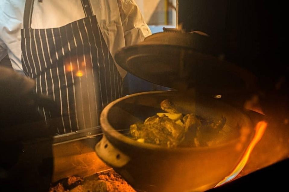 Gostionica na basamaci:  Potrebna kuvarica i konobar