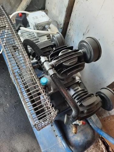 Vulkanizerska oprema komplet i masina za pranje polovne ali kao nove