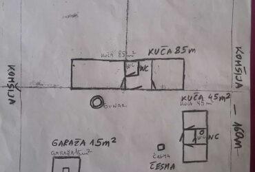 Selo Lunjevac dve kuće 85m2 + 45m2 + garaža 15m2 na 80 ari placa