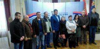 Sedam rasljenih porodica potpisalo ugovore u Gradskoj kući u Nišu