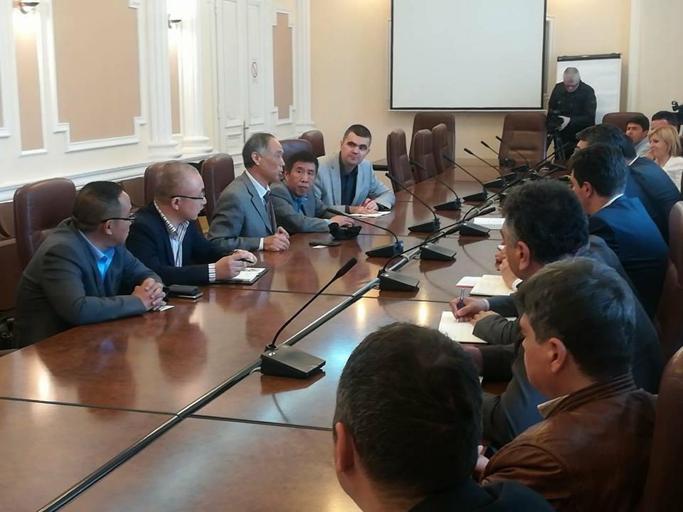 Gradonačelnik Niša sa saradnicima sastao se u Gradskoj kući sa delegacijom privrednika iz NR Kine koju je predvodio Njegova ekselencija ambasador Kine u Srbiji Li Mančang