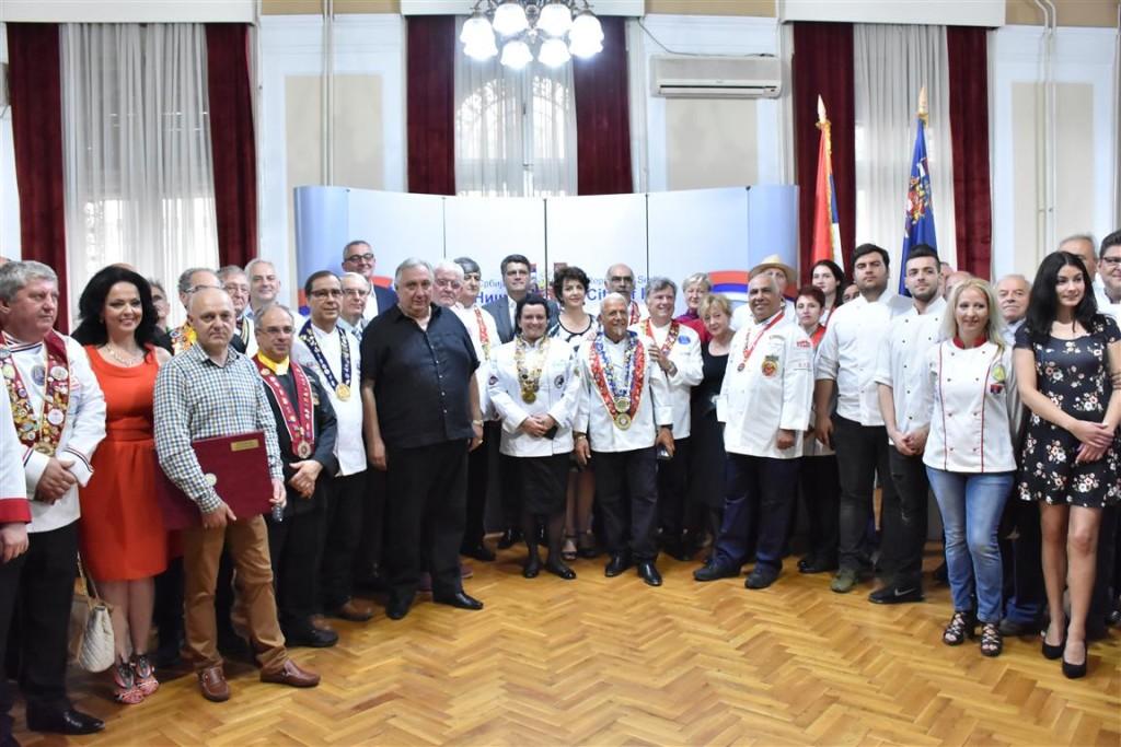 Učesnici internacionalnog gastro turističkog festivala u Nišu; Foto: Grad Niš