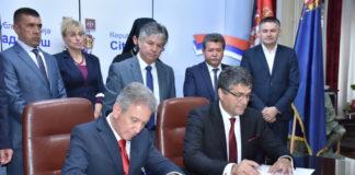 Potpsivanje ugovora o bratimljenju Niša i grčkog grada Seresa; Foto: Grad Niš