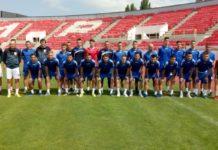 Foto: FK Radnički sa novim trenerom Nenadom Lalaotivćem