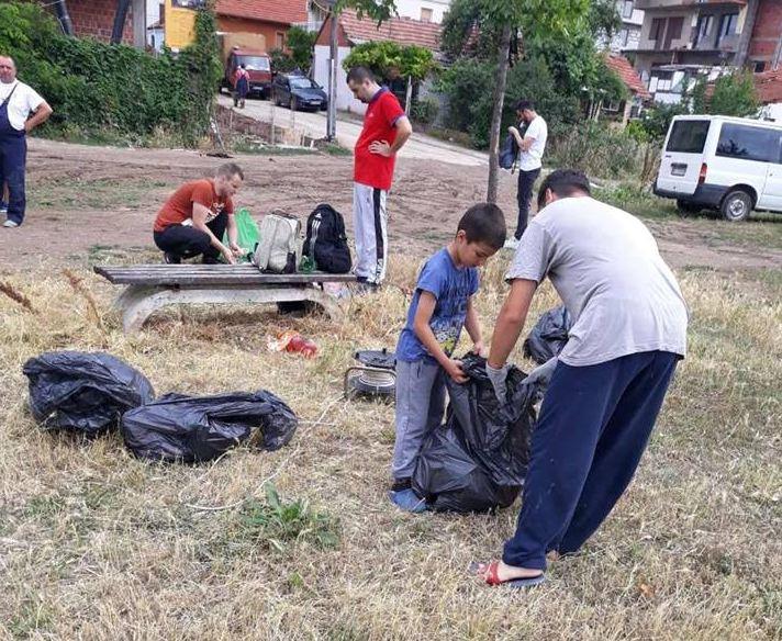 Akcija uređivanja okoline na desnoj obali Nišave; Foto: GO Pantelej