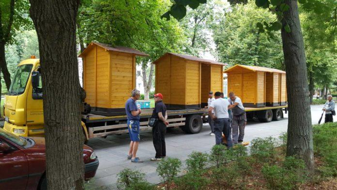 Drvene barake za prodavce u Niškoj Banji; Foto: GO Niška Banja