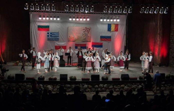 Međunarodni studentski festival folklora, SKC Niš 2015; Foto: lenAlex studio