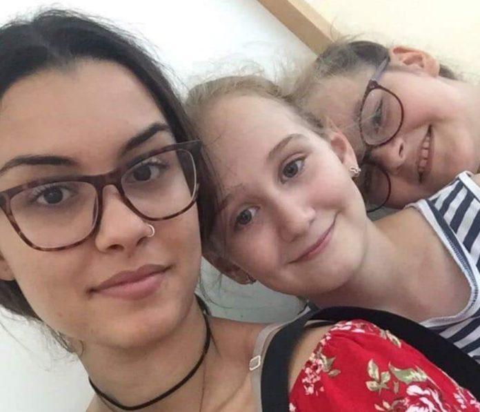 Ajša Šaaba iz Tunisa sa niškom decom