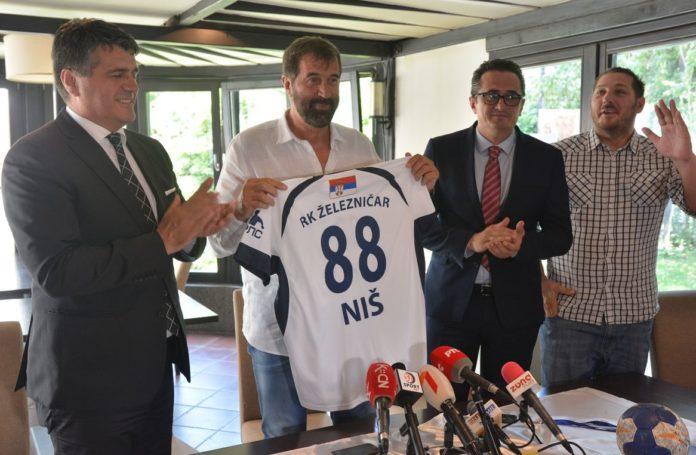 Promocija novog trenera niških rukometaša; Foto: RK