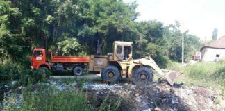 """Sanacija divlje deponije u Vukmanovu; Foto: JKP """"Mediana"""" Niš"""