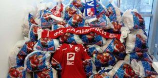 FK Radnički deli paketiće