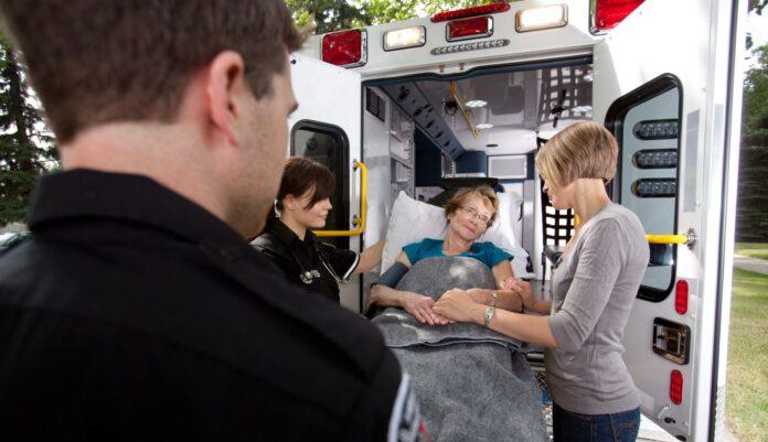 Prevoz nepokretnih osoba sanitetskim vozilom