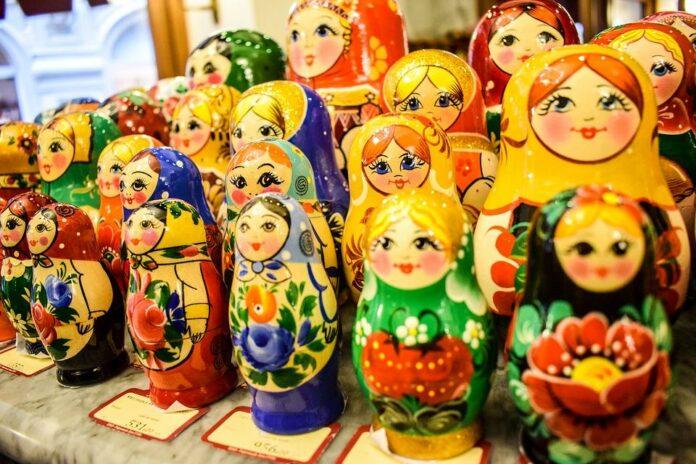 radionice za decu, posvećene ruskoj narodnoj radinosti.