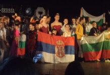 """Balerine baletskog studija """"Akademija"""" Studentskog kulturnog centra Niš, na Balkanskoj olimpijadi umetnosti i igre, održanoj u niškom Domu vojske,"""