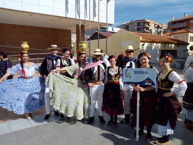 Ansambl narodnih igara i pesama Mozaik predstavlja Niš i Srbiju na turneji u Španiji