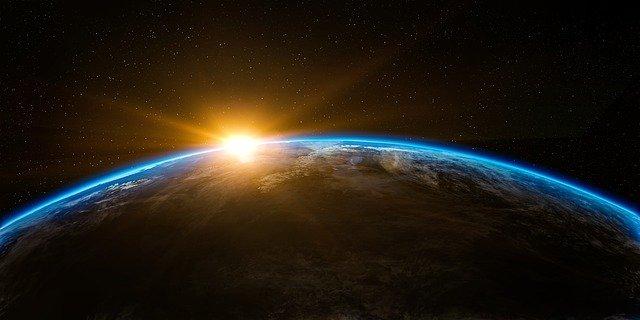 razgledanje zemlje iz svemira